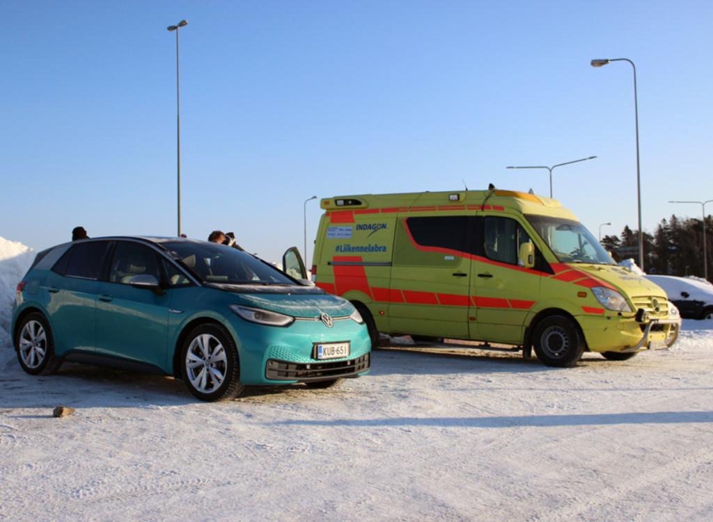 VW ID3 & road side test lab Lanssi